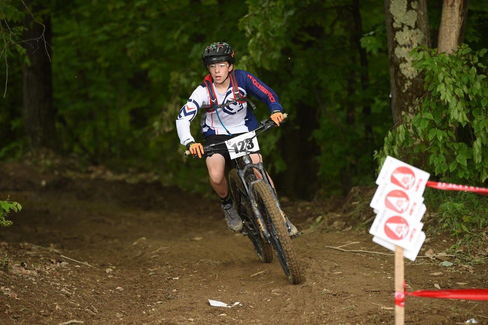 Talon Hawk cruising to a first place finish in the Youth eMTB class at Tomahawk in New York.