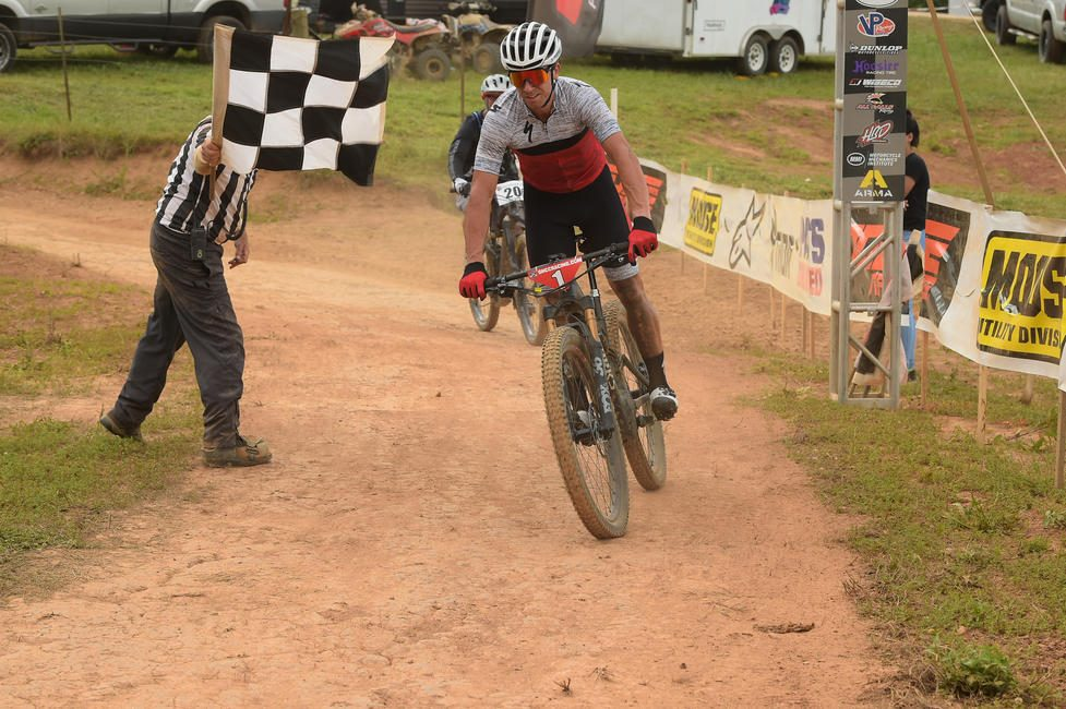 Charlie Mullins (Gear Racewear/Specialized) took home his fourth-straight Specialized Turbo eMTB GNCC win.