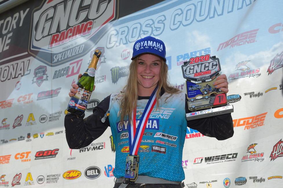 Rachael Archer (AmPro Yamaha) obtuvo su segunda victoria consecutiva en WXC el domingo por la mañana. Foto: Ken Hill