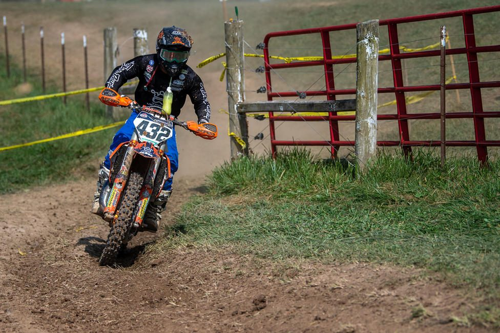 Brayden Nolette charging through the dusty conditions at the Burr Oak GNCC. (Shan Moore photo)