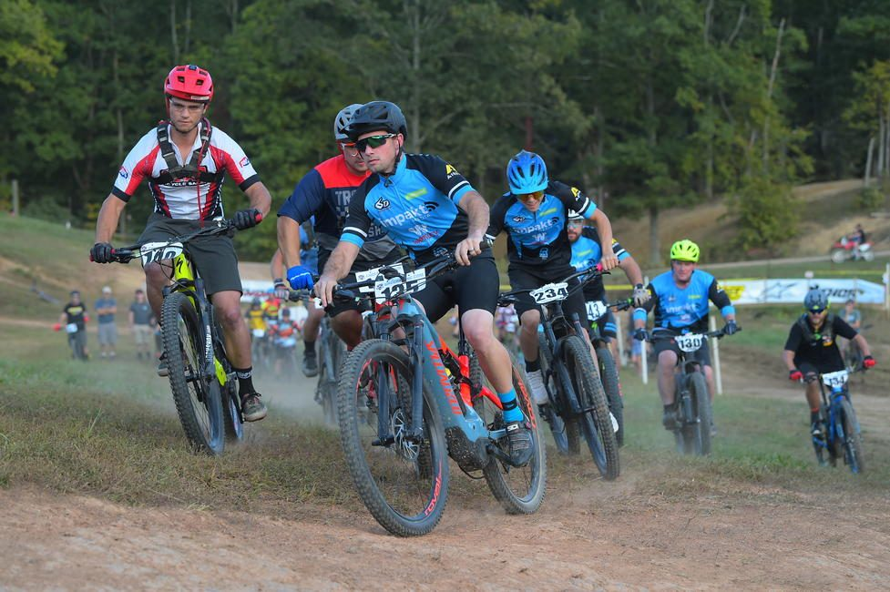 Adam would clinch the Amateur eMTB Championship by one point.